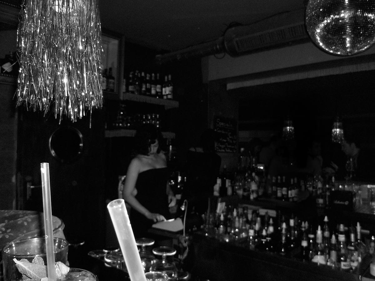 Barschicht im Club CCCP — ca. 2011